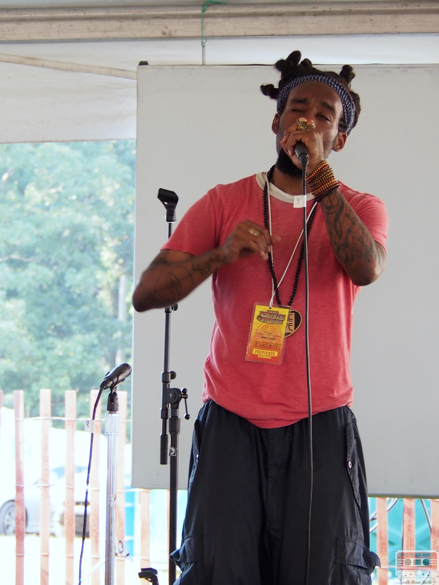 Kuf Knotz freestyles during the 54th annual Philadelphia Folk Festival.