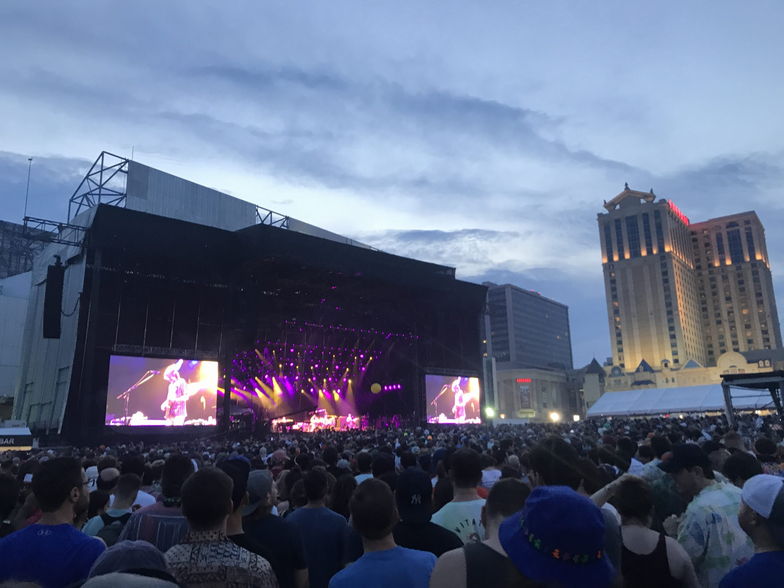Phish performs Friday, Aug. 13 on the beach in Atlantic City, New Jersey (Shaun R. Smith/ The High Note).
