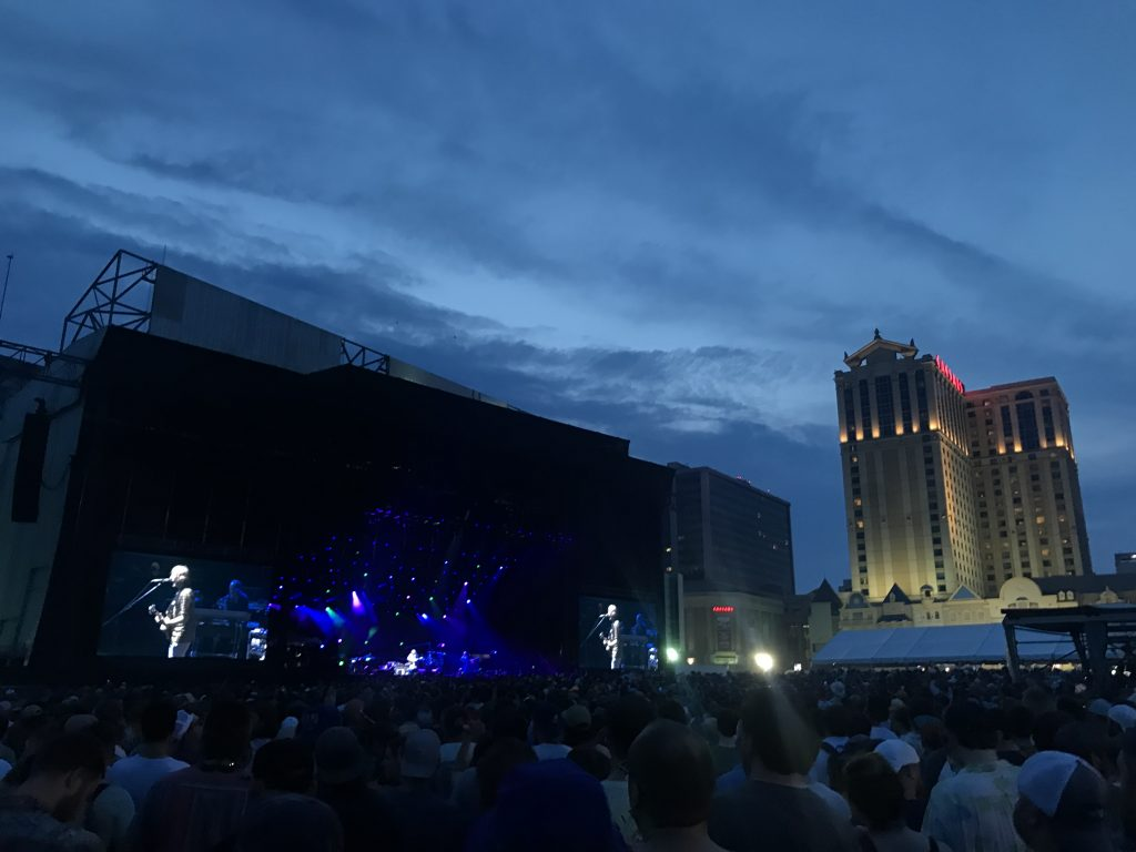 Phish performing Friday, Aug. 13 on the beach in Atlantic City, New Jersey (Shaun R. Smith/ The High Note).