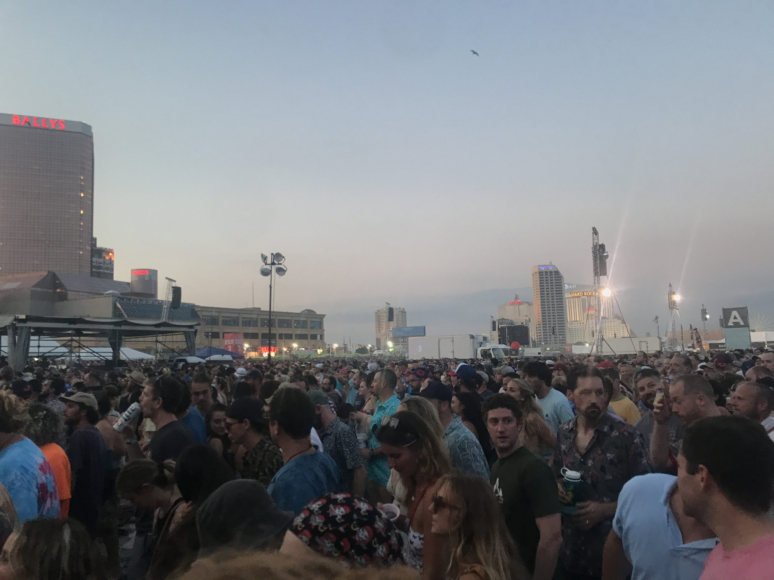 The crowd for Phish night two, Saturday, Aug. 14, 2021 on the beach in Atlantic City, New Jersey (Shaun R. Smith/ The High Note).